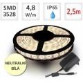SADA LED pásek 2,5m 4,8W/m 60ks/m 2835 voděodolný NEUTRÁLNÍ + Zdroj